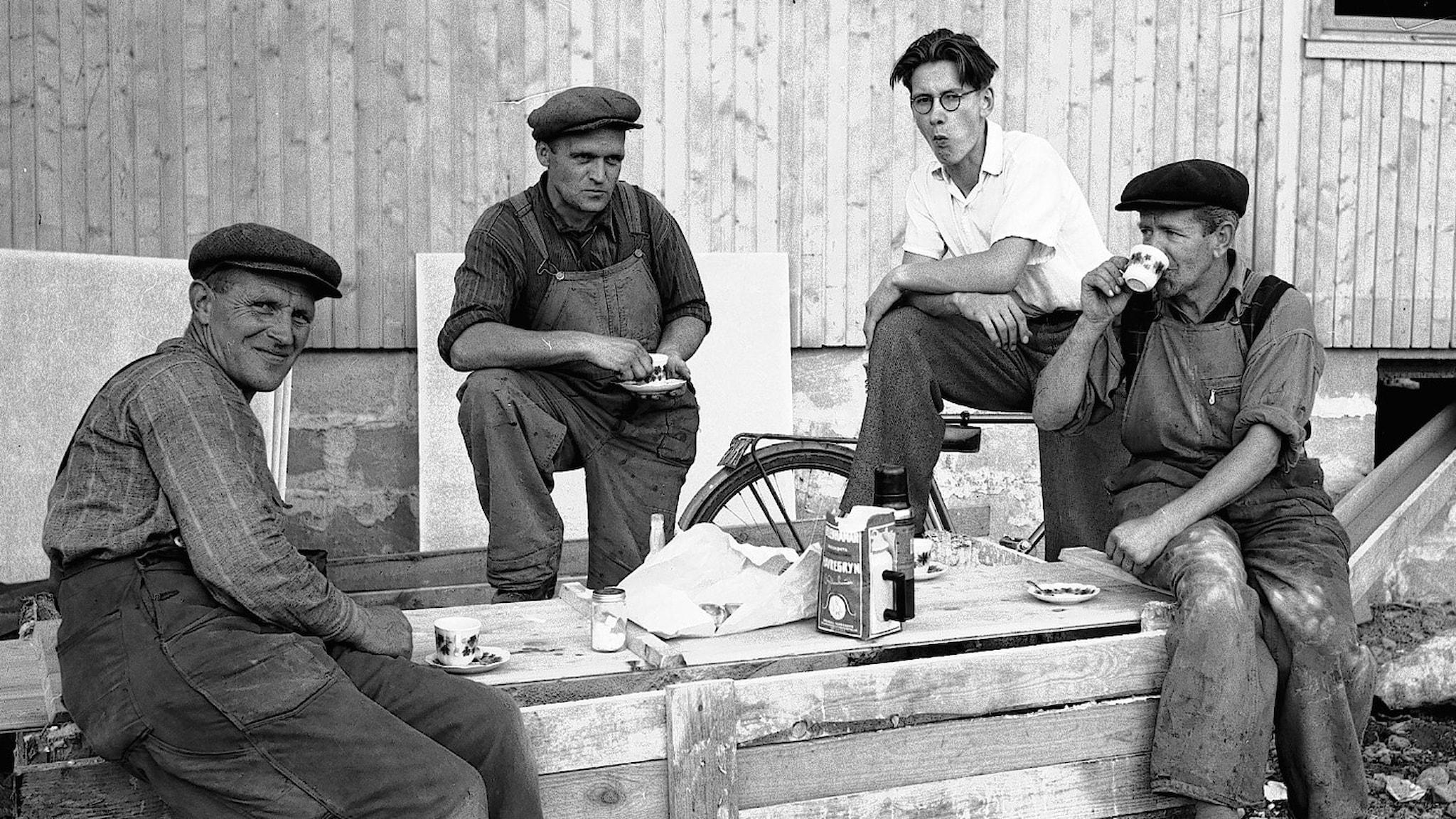 Är det rimligt att arbetarna själva bestämmer när det är dags för rast? Foto: Carl Larsson / Länsmuseet Gävleborg