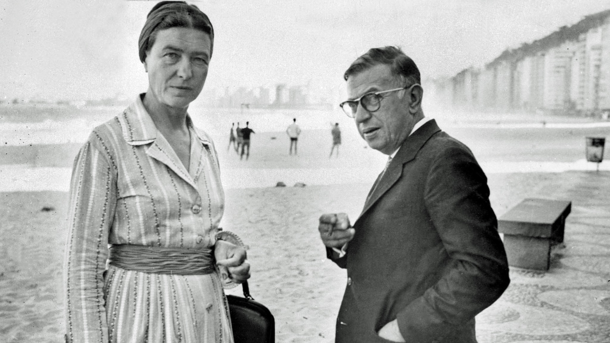Simone De Beauvoir och Jean Paul Sartre på Copacabana, september 1960.