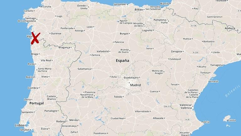 Minst två personer har omkommit när ett tåg spårade ur i Galicien i norra Spanien. Foto: TT.