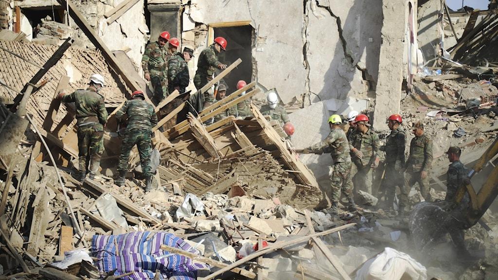 Räddningsarbete under striderna om Nagorno-Karabach