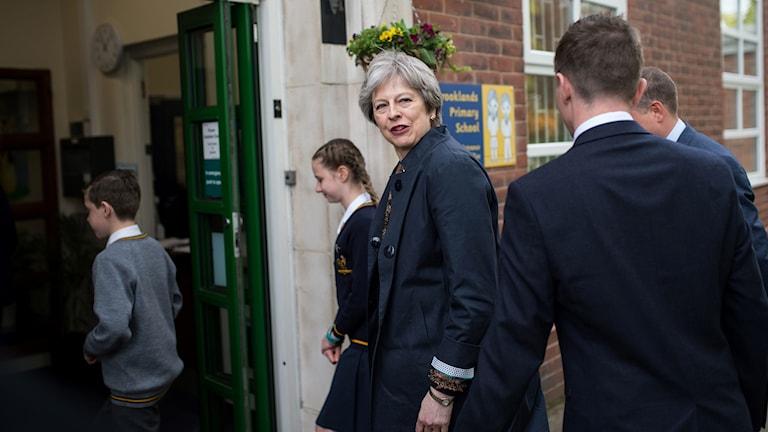 Theresa May pressades hårt i parlamentet.
