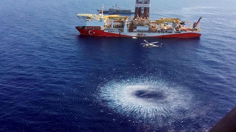 Turkiskt fartyg borrar efter naturgas i Medelhavet