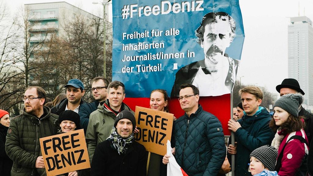 För två veckor sen hölls en demonstration i Tyskland för att Deniz Yücel ska frias.