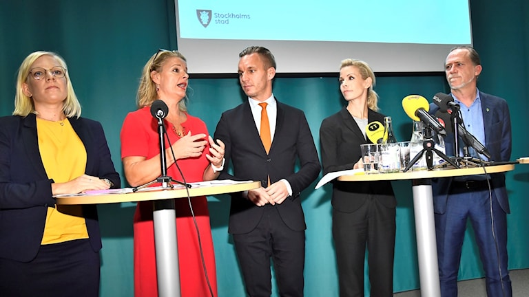 Karin Ernlund (Centre Party),  Lotta Edholm (Liberal Party), Anna König Jerlmyr (Moderate Party), Daniel Helldén (Green Party) held a joint press conference on Friday.