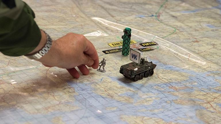 Militärövning på karta.
