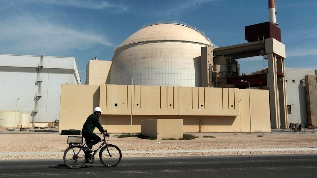 Arkivbild. Cyklist i Iran.