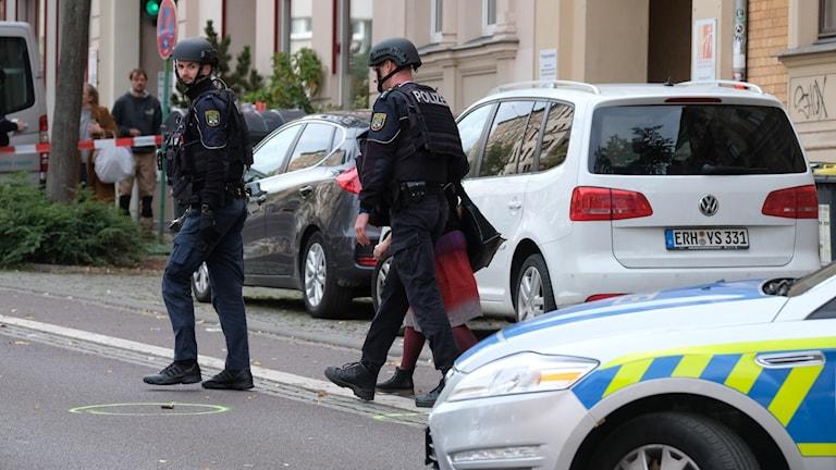 Poliser i Halle.