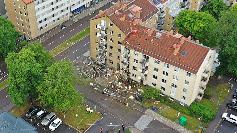 En drönarbild över husen i Linköping som skadats av explosionen.