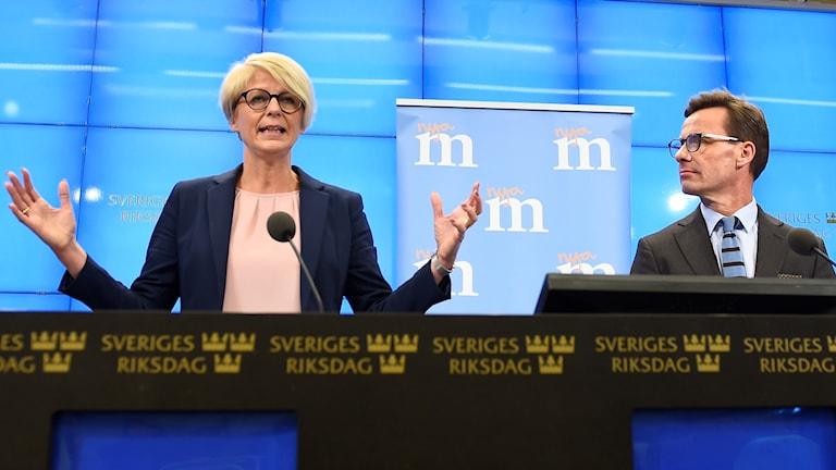 Partiledaren Ulf Kristersson och Svantesson och ekonomisk-politiske talespersonen Elisabeth Svantesson presenterar i dag Moderaternas skuggbudget.