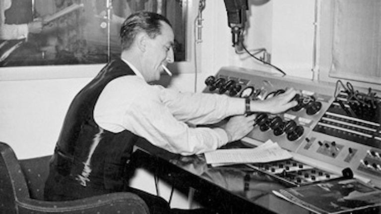 Ekots Carl-Åke Wadsten sänder för första gången 1937.
