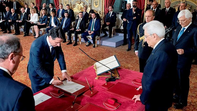 Den nya italienske premiärministern Giuseppe Conte i samband med att den nya regeringen svors in.