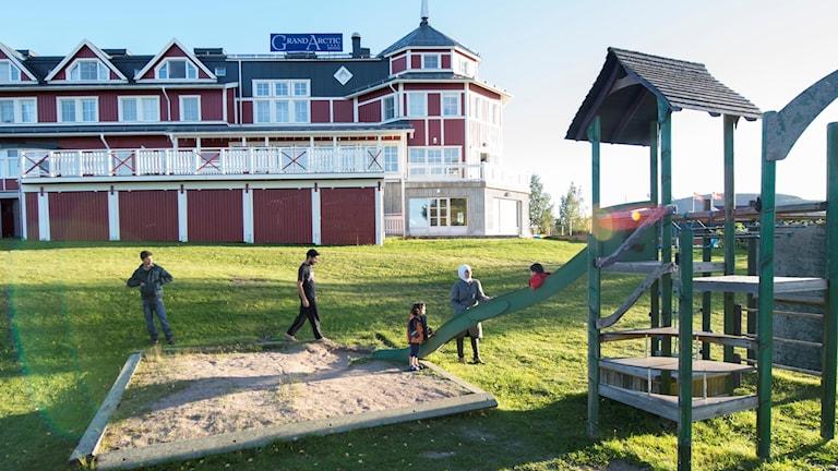 Här ett foto på boendet i hotellet Grand Arctic.