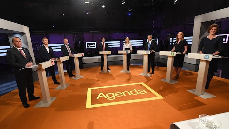 Från vänster, Stefan Löfven (S), Gustav Fridolin (MP), Jonas Sjöstedt (V), Jimmie Åkesson (SD), Ebba Busch Thor (KD), Jan Björklund (L), Annie Lööf (C) och  Anna Kinberg Batra (M)