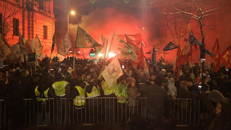 Bild från helgens protester i Budapest.