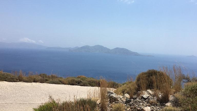 Ikaria ligger i Egeiska havet, inte så långt från Turkiet.