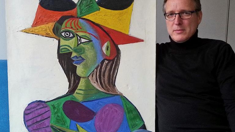 Arthur Brand med tavlan Buste de Femme, som han återfunnit.