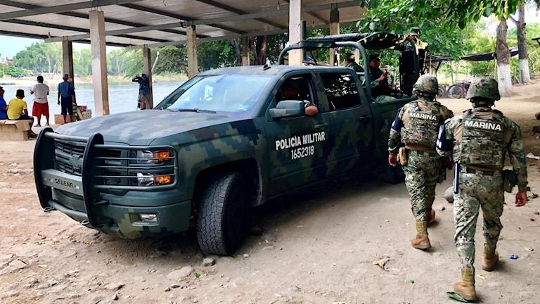 Överallt syns också mexikansk militär i form av det nybildade Nationalgardet, som för några dagar sedan posterades ut i området för att hindra migranter från att ta sig in i landet.