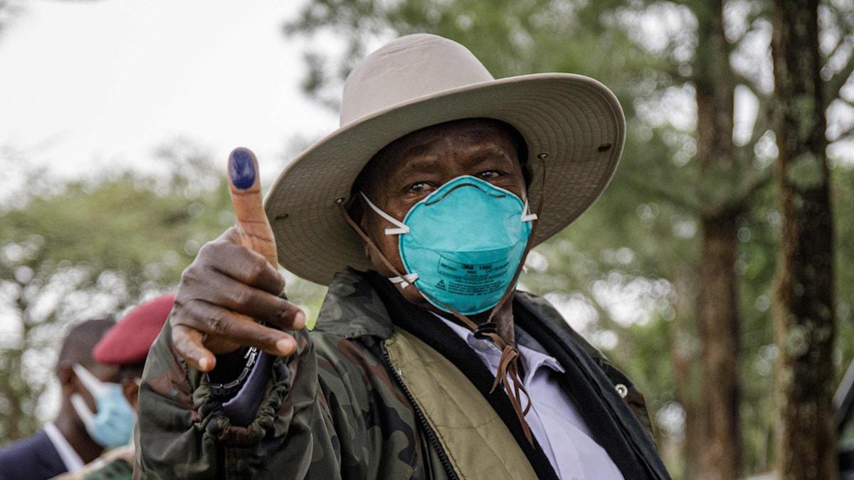 Ugandas sittande president Yoweri Museveni röstade i Kiruhura i Uganda på torsdagen.