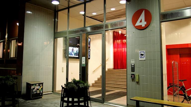 Entrén till TV4:s redaktion i Stockholm.
