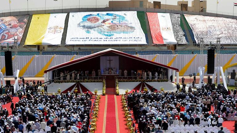 Påven höll en mässa med kärleksbudskap på lördagen.