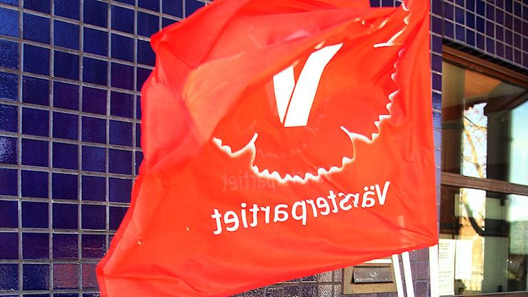 Vänsterpartiets standar utanför kongresslokalen i Gävle. Foto: Pernilla Wahlman/Scanpix.