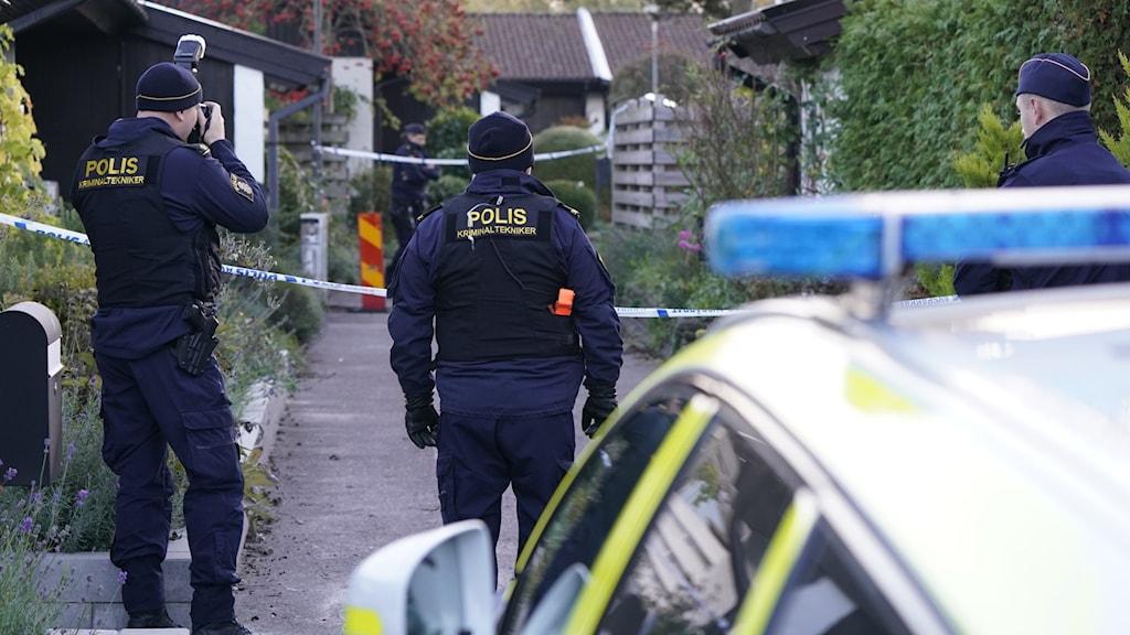 Polis på plats i Vellinge.