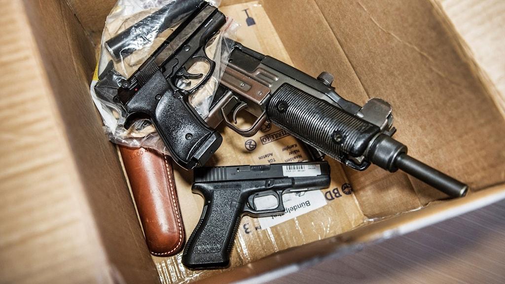 Illegala vapen som beslagtagits av Tullverket.