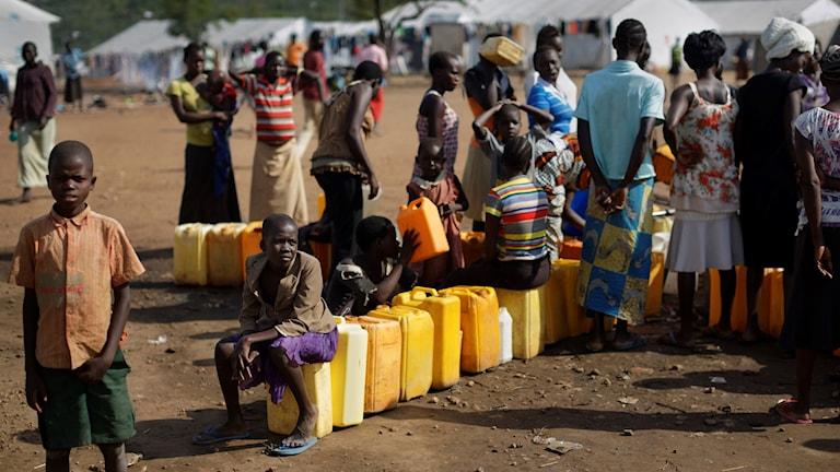 Flyktingar från Sydsudan i läger i Uganda.