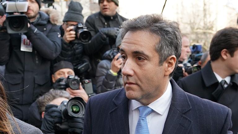 Michael Cohen anländer till den federala domstolen i New York.