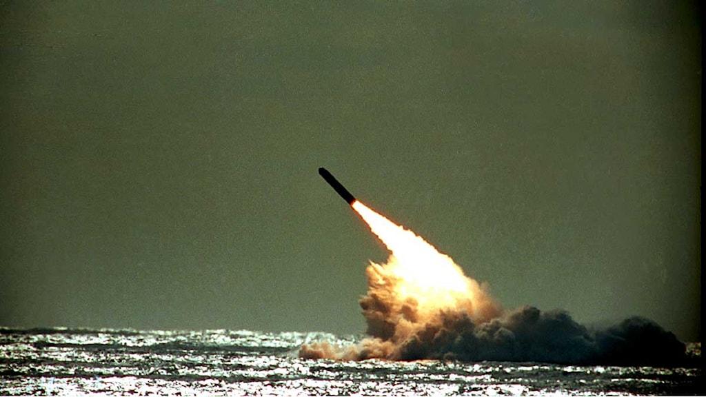Missil avlossas från en amerikansk u-båt. Foto: Phil Sandlin/Scanpix.