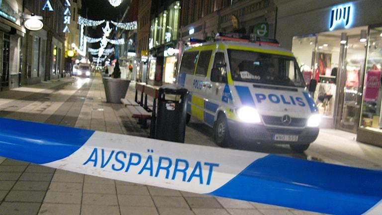 Explosionen inträffade nära Drottninggatan, mitt i julhandeln. Foto: Per Sandström/Sveriges Radio.