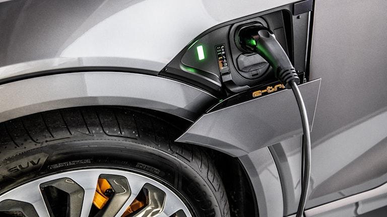 Laddning av Audis nya elbil e-tron