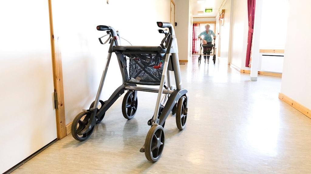 Rullator i en korridor. Foto: Gorm Kallestad/TT