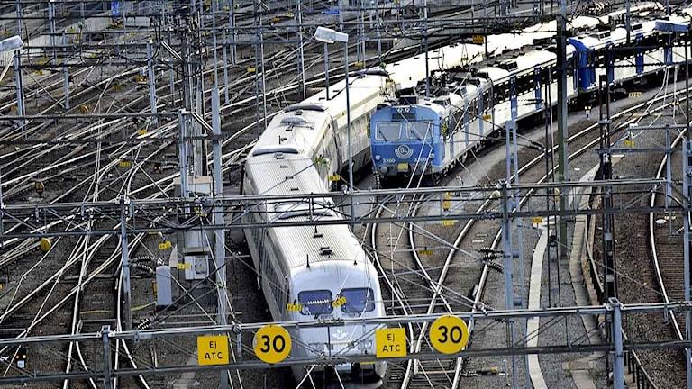 Tåg på väg norr ut från Stockholms central. Foto: Ingvar Karmhed/Scanpix.
