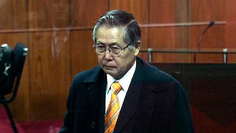 Perus ex-president Alberto Fujimori i en rättegångssal i Lima, 2009. Foto: Karel Navarro/AP