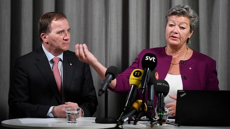 Socialdemokraternas partiledare Stefan Löfven och partiets arbetsmarknadspolitiska talesperson Ylva Johansson