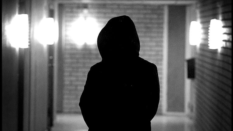 Självmordstankar. En deprimerad kvinna i en korridor. Foto: Claudio Bresciani/Scanpix