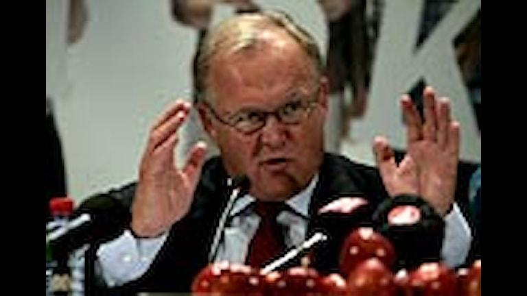 Göran Persson vid presskonferensen. Foto: Fredrik Sandberg/Scanpix.