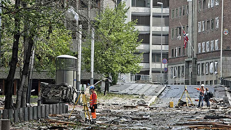 Höyblokka i regeringskvarteret dagen efter explosionen i Oslo. Foto: Aleksander Andersen/Scanpix.
