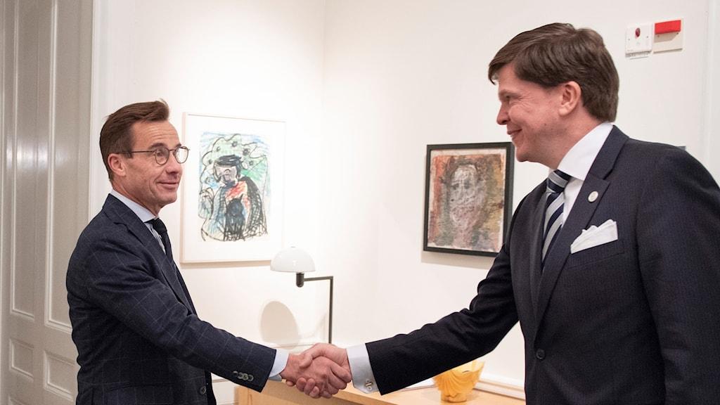 Ulf Kristersson när han träffade talman Andreas Norlén under tisdagen.