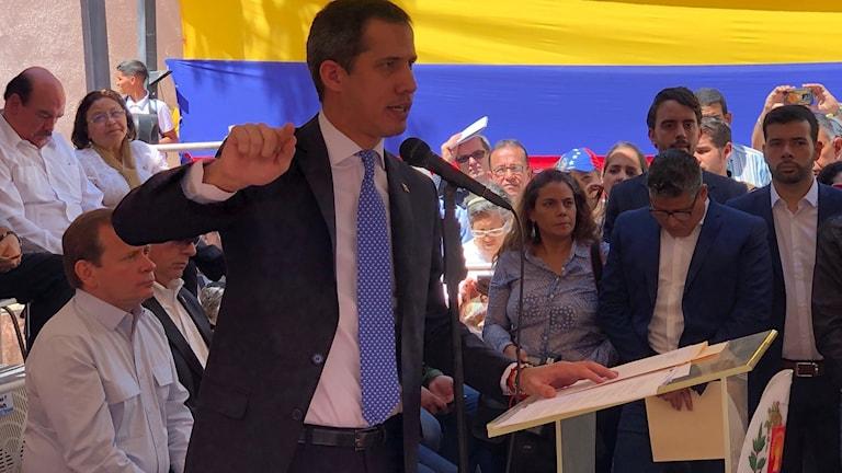Oppositionsledaren Juan Guiadó talar i Caracas