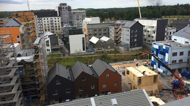 Små tomter och olika boendeformer i den nya stadsdelen.