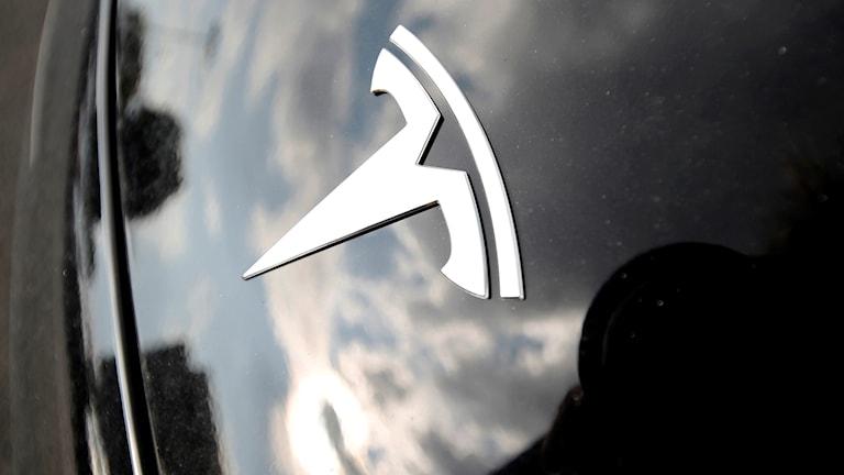 tesla logotyp