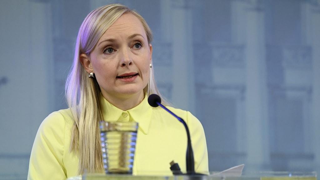 FINLAND-POLITICS-HEALTH-VIRUS-TRAVEL