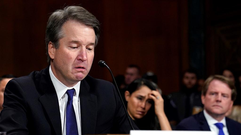 Brett Kavanaugh frågas ut av senatens justitieutskott.