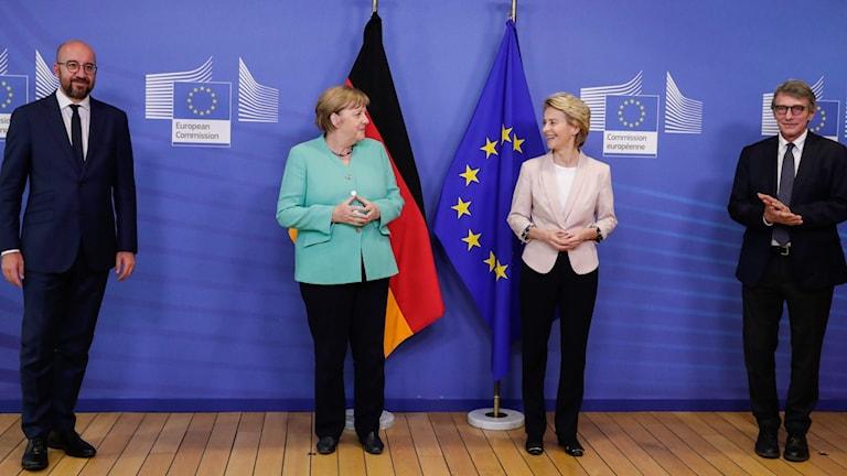 Europeiska rådets ordförande Charles Michel, Tysklands förbundskansler Angela Merkel, EU-kommissionens ordförande Ursula von der Leyen och EU-parlamentets talman David Sassoli.