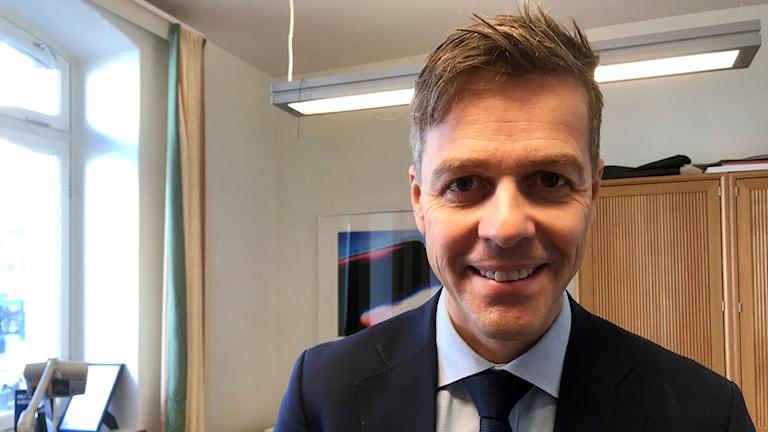 Partiledare Knut Arild Hareide ler, trots det svåra val hans Kristelig Folkeparti står inför i höst.