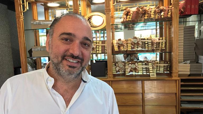 Nadim i sin chokladbutik i Beirut