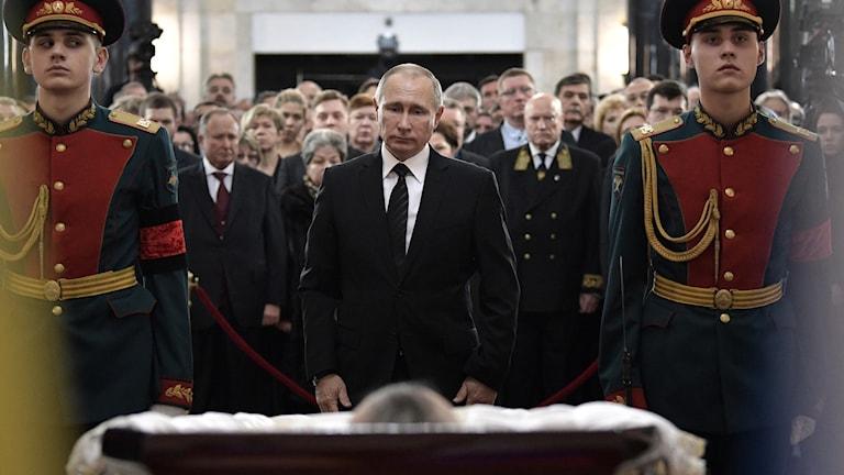 Rysslands president Vladimir Putin tog farväl av den mördades ambassadören Andrej Karlov.