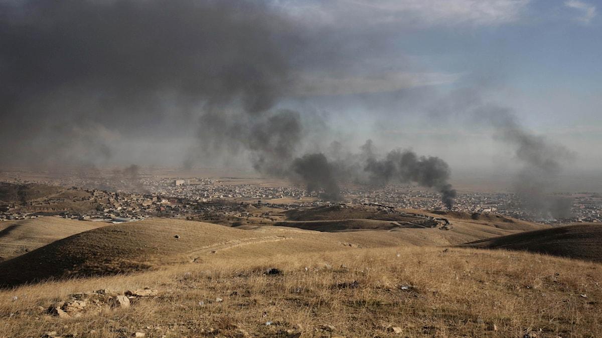 Bild från staden Sinjar där flera av massgravarna finns.